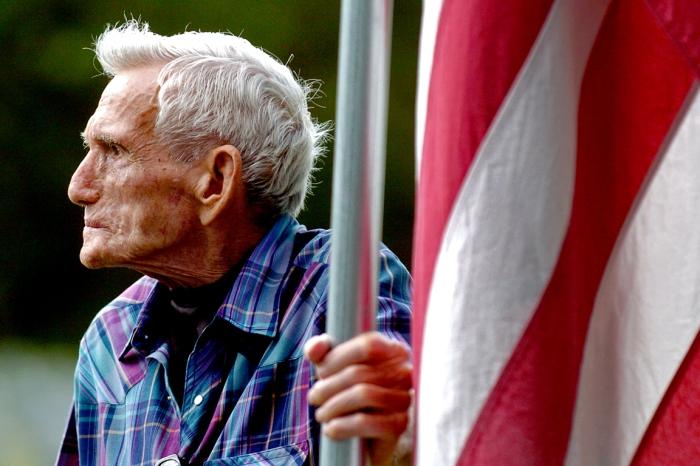 wwii veteran flag